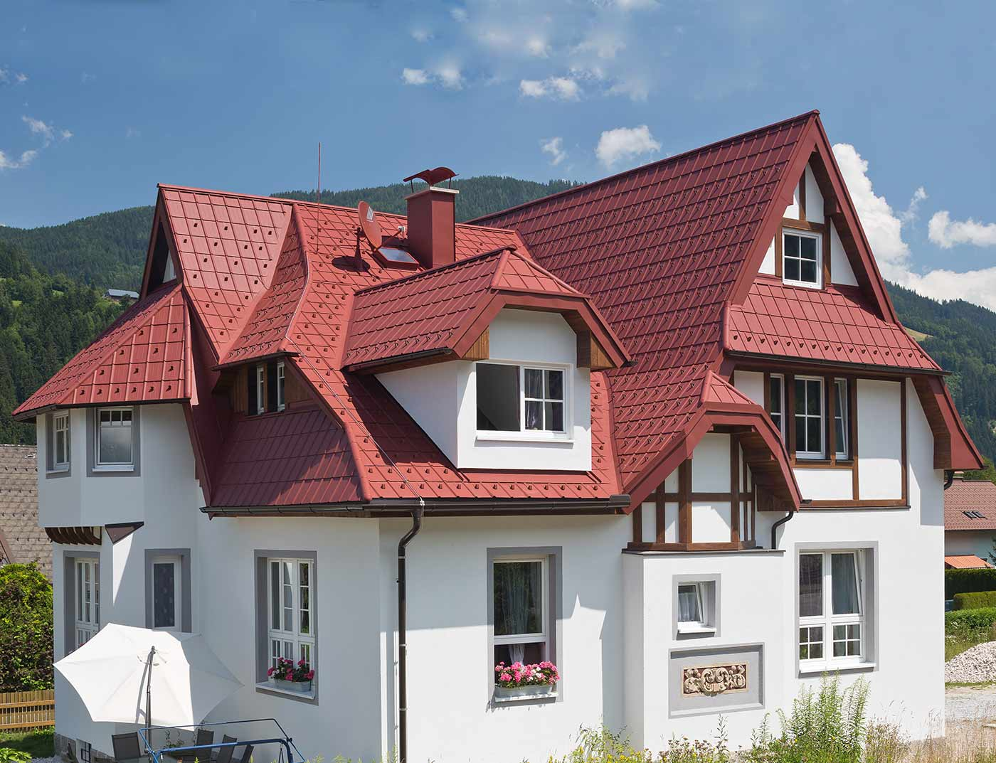 Referenzobjekte PREFA Roof systems Roof tile 05 P.10 oxide red