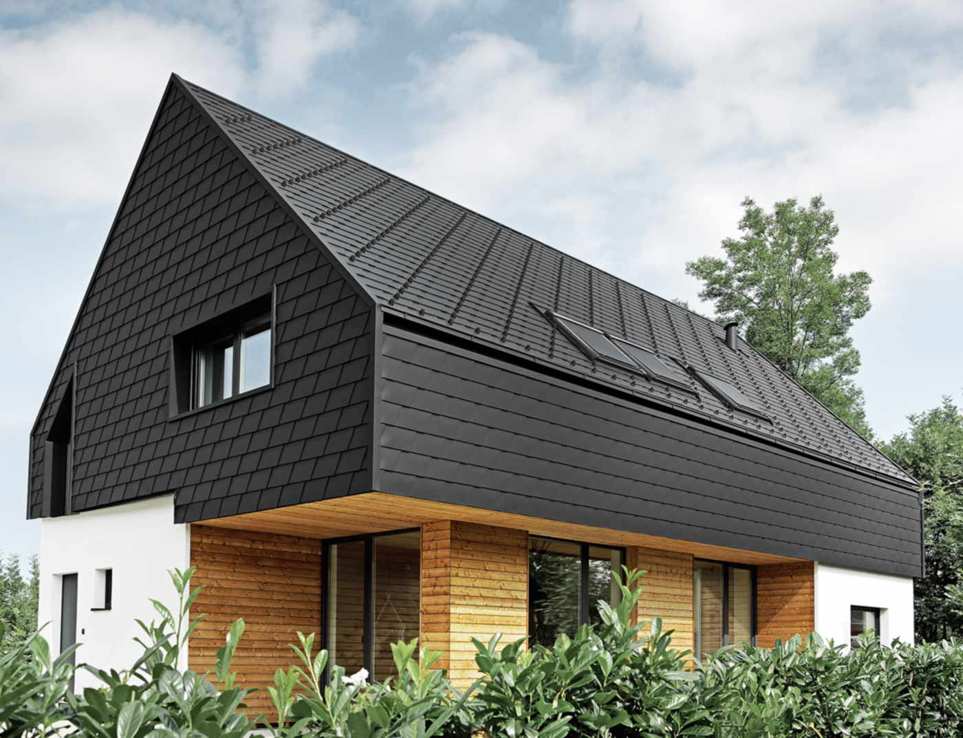 Referenzobjekte PREFA Façade systems Façade shingle 03 P.10 black