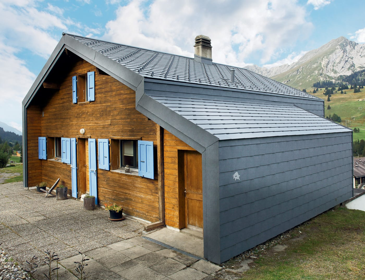 Referenzobjekte PREFA Façade systems Façade shingle 43 P.10 stone grey