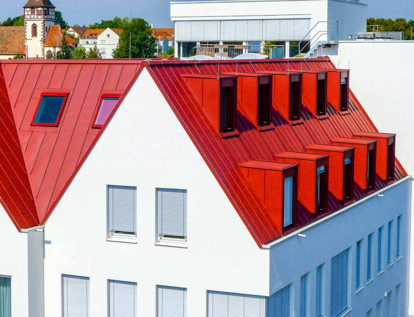 Referenzobjekte PREFA Roof systems Roof system Prefalz® 05 P.10 oxide red